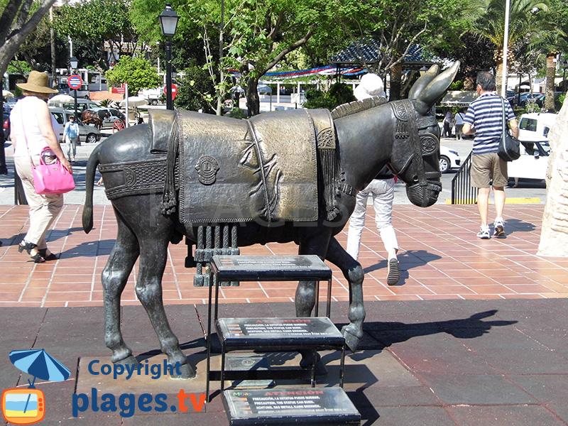 Sculpture d'un âne à Mijas en Andalousie