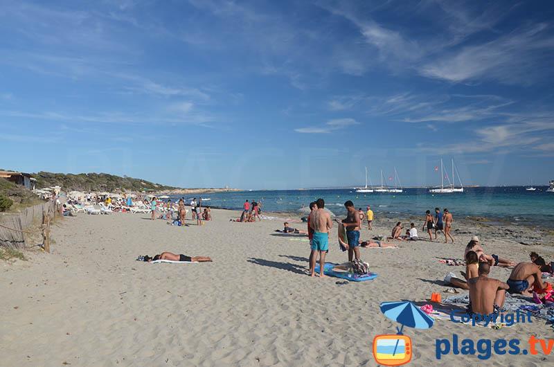 Ses Salines : une grande plage de sable à Ibiza