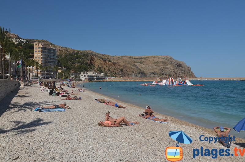 La plage du centre ville de Javea au sud de Valencia
